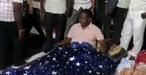 Puducherry Chief Minister continues sit-in protest
